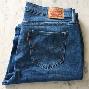 Levi's 414 Classic Straight Fit Jeans